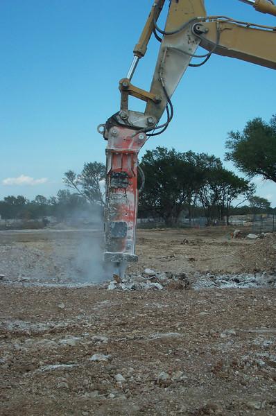 NPK E240 hydraulic hammer (1).jpg