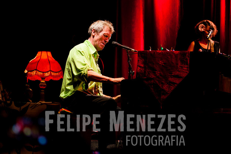 Hugh Laurie_Site_064.jpg