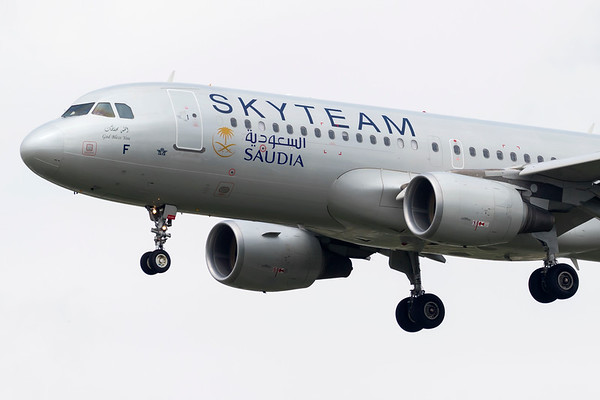HZ-ASF - Airbus A320-214