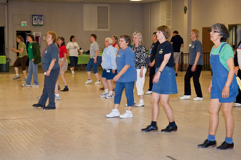 5961 dancers med.jpg