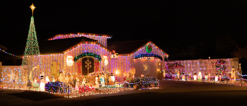 Phoenix Adobe Highlands Neighborhood Lights December 24, 2018  16.jpg