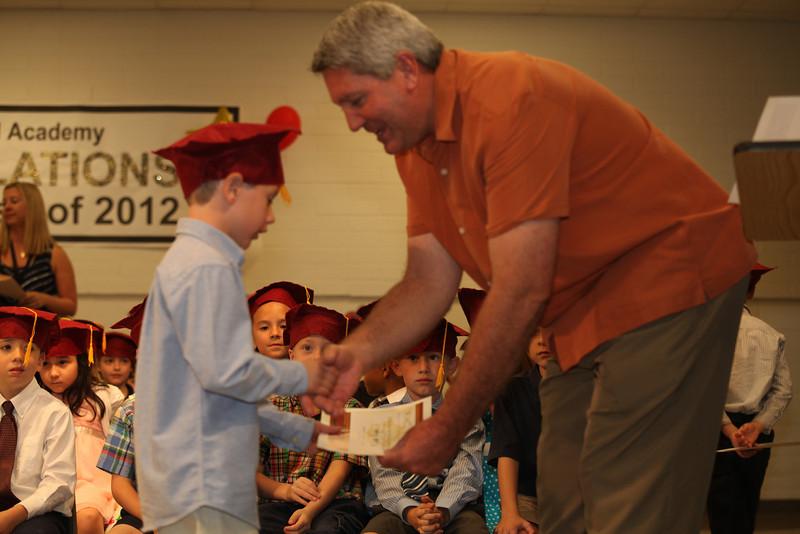 2012May18_MTA Kinder Grad_9695.JPG