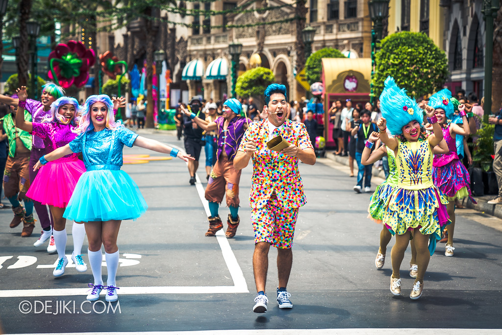 Universal Studios Singapore Park Update March 2018 TrollsTopia event - TrollsTopia show mini parade