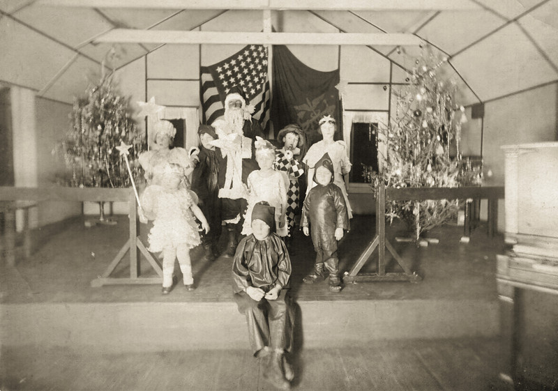 1924 Christmas 1924 Kids edit.jpg