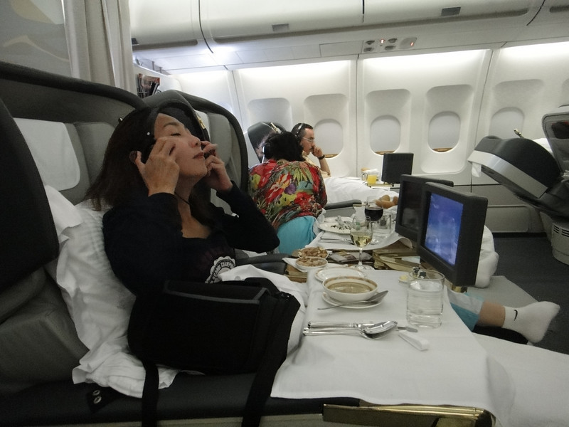 [20101009] Day 10 - BB 1st Class on Emirates Airlines (8).JPG