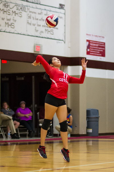 2016 10 04 Mission v La Joya Volleyball_dy-27.jpg