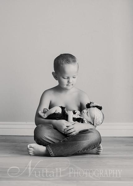 Natalie Newborn 06bw.jpg