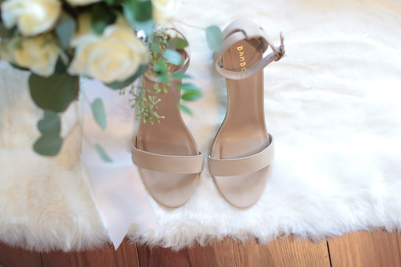 Elegant-Southern-Coastal-Wedding-Neutral-And-White-Details-Photography-By-Laina-Dade-City-Tampa-Area-Wedding-Photographer-Laina-Stafford-4.jpg
