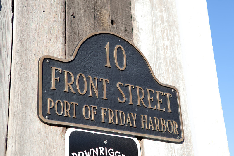 We got a day-long bus pass, and headed to the other end of the island, to Friday Harbor.