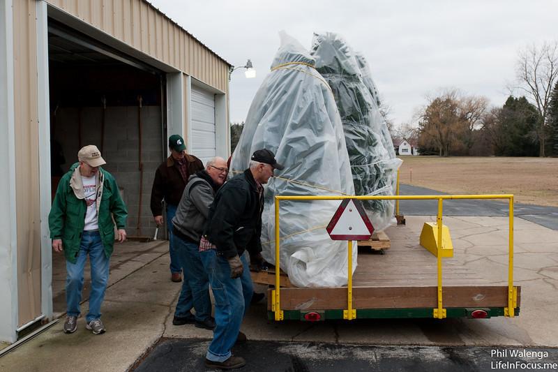 20121217 KofC Christmas Tree Setup-6239.jpg