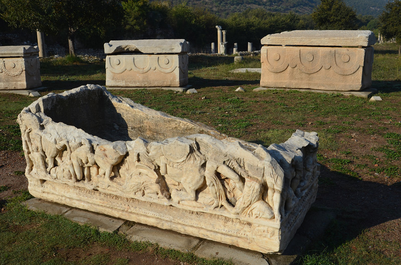 DSC_1736-sarcophagi.JPG