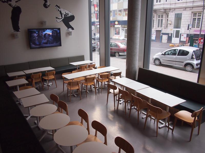 P7053306-breakfast-room.JPG