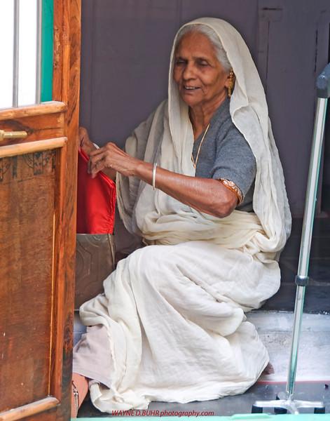 XH-INDIA2010-0215A-25A.jpg
