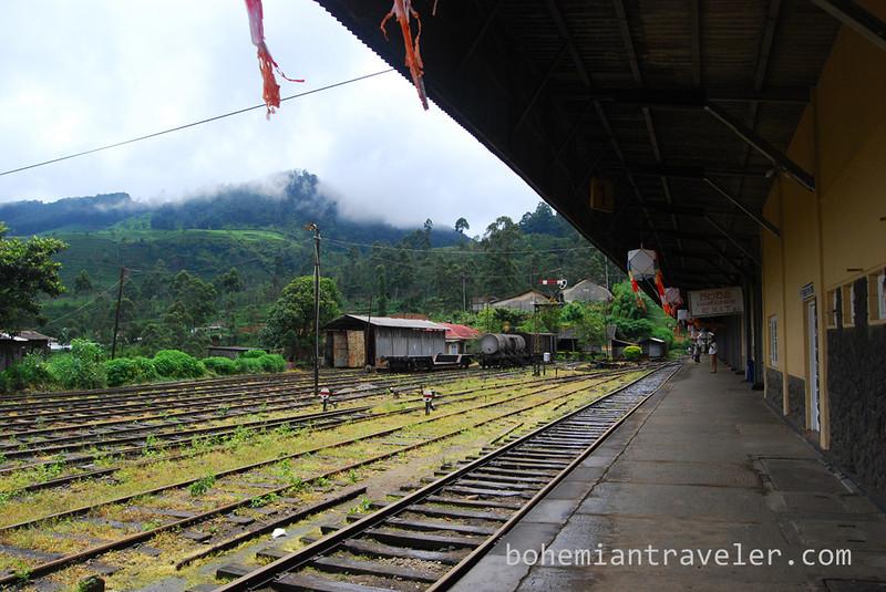 Nanuoya Train Station platform.jpg