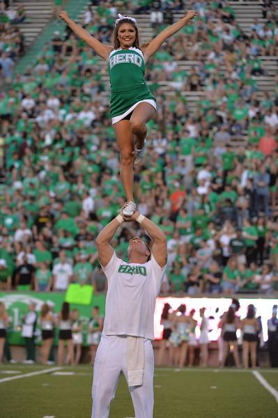 cheerleaders2426.jpg