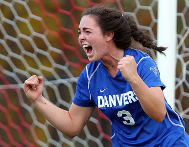 Danvers vs Marblehead D2 North Girls Soccer