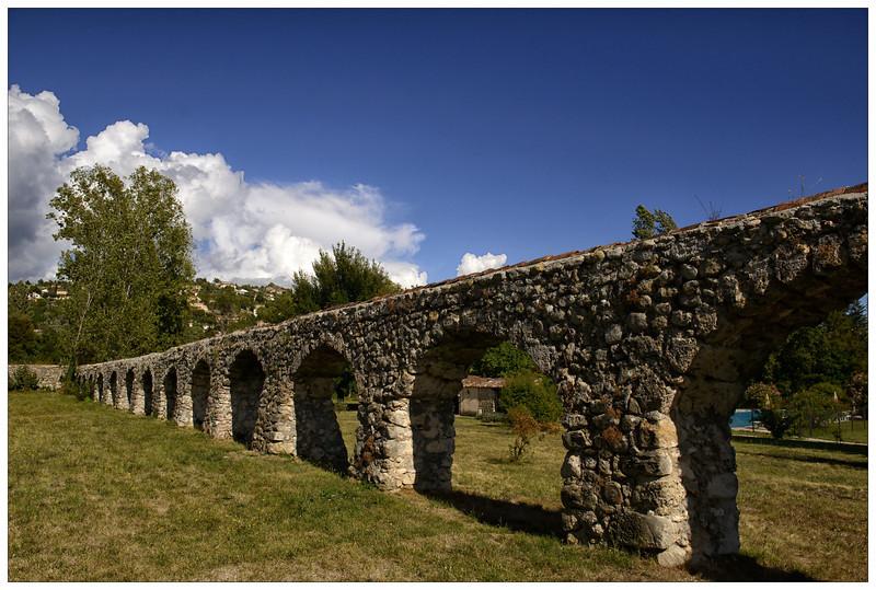 Moulin De La Camandoule Aquaduct