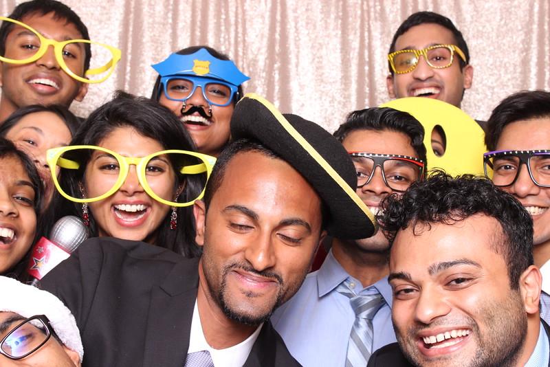 Boothie-PhotoboothRental-PriyaAbe-O-282.jpg