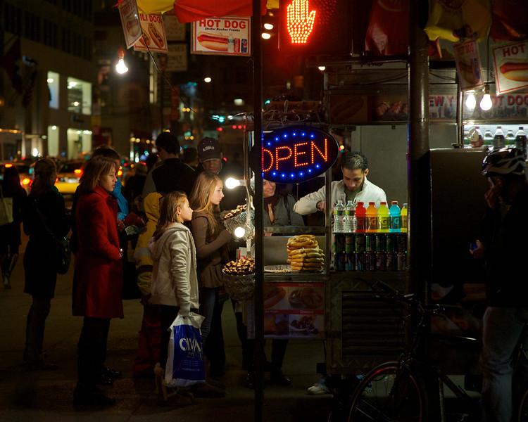 family-night-street-vendor-high-iso.jpg