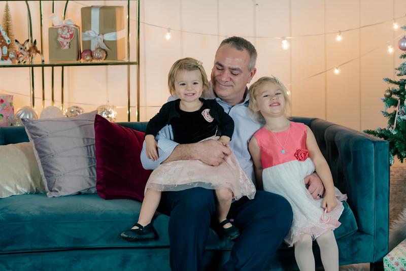 Therrien Family December 2020-13.jpg