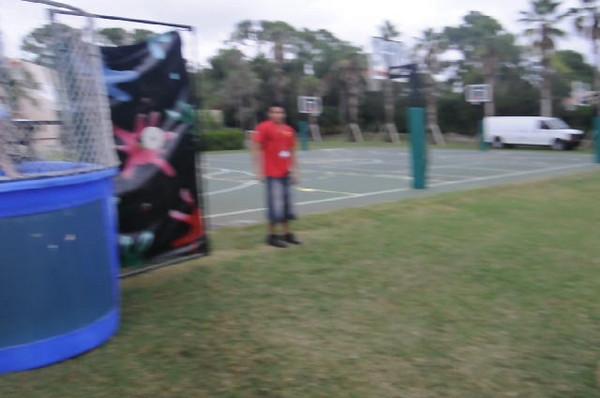 2009 December 6 Pine Crest Carnival 260.avi