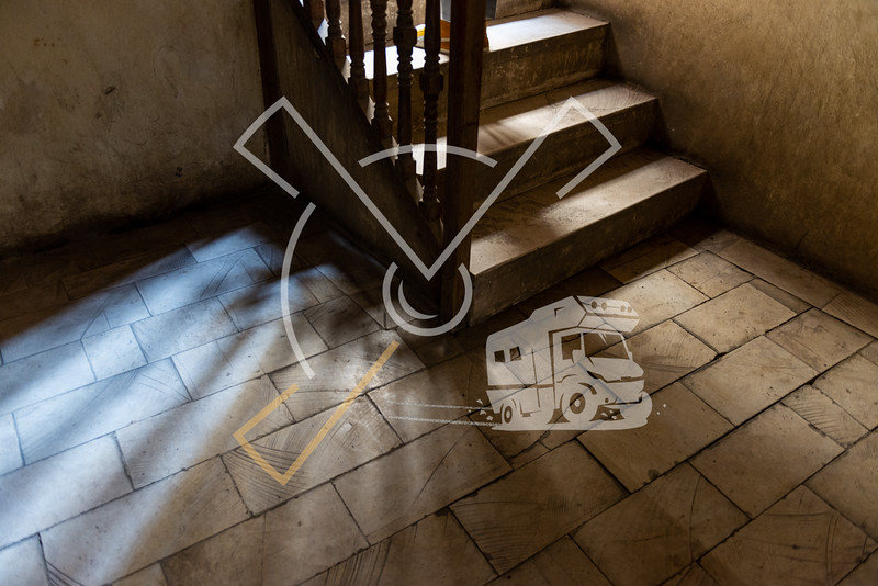 Thema image of steps on staircase with mysterious light