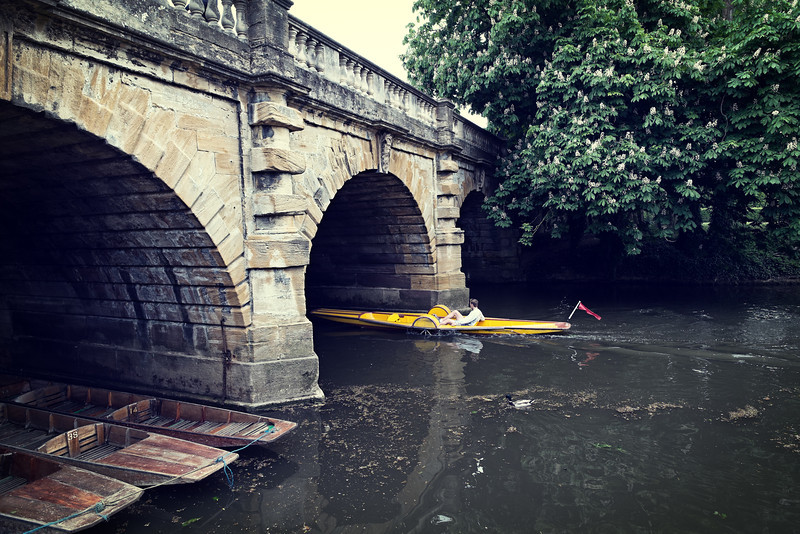 One man in a boat at Oxford F4762.jpg