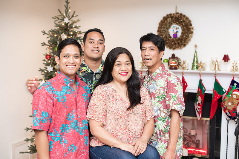 Hawaii - Christmas Family Photos-68.jpg