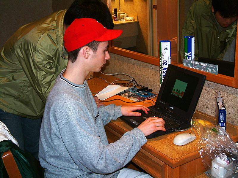 Kenni Gignac & Duncan Fong play on Alex's laptop.jpg