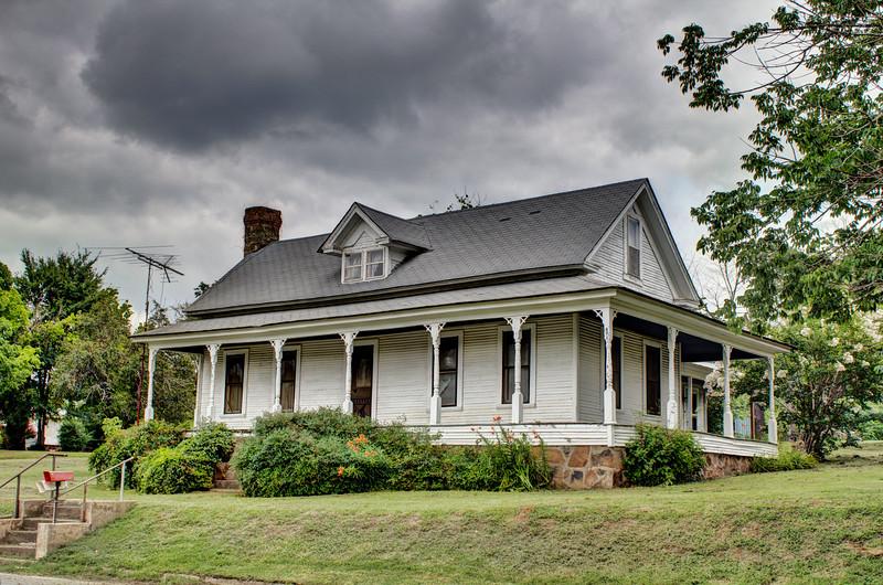 L. D. Hutchinson House - Floyd, AR