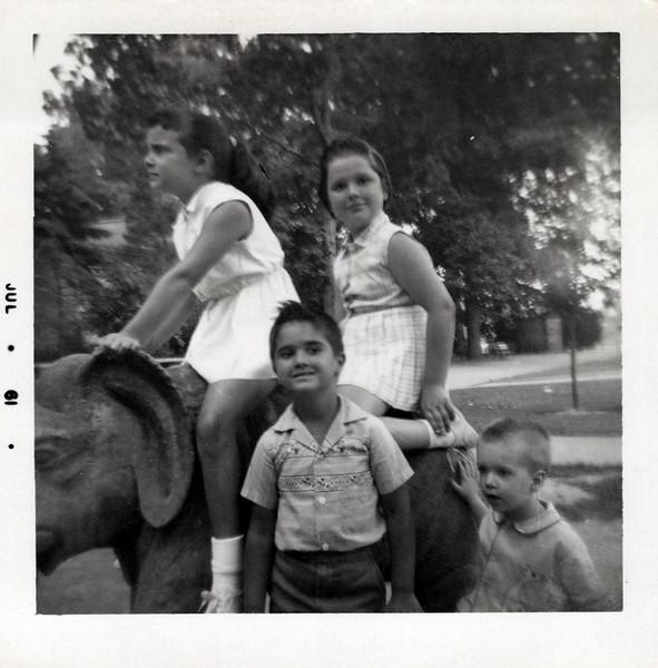 1961 Teri, Toni, Brad, Kurt.jpeg