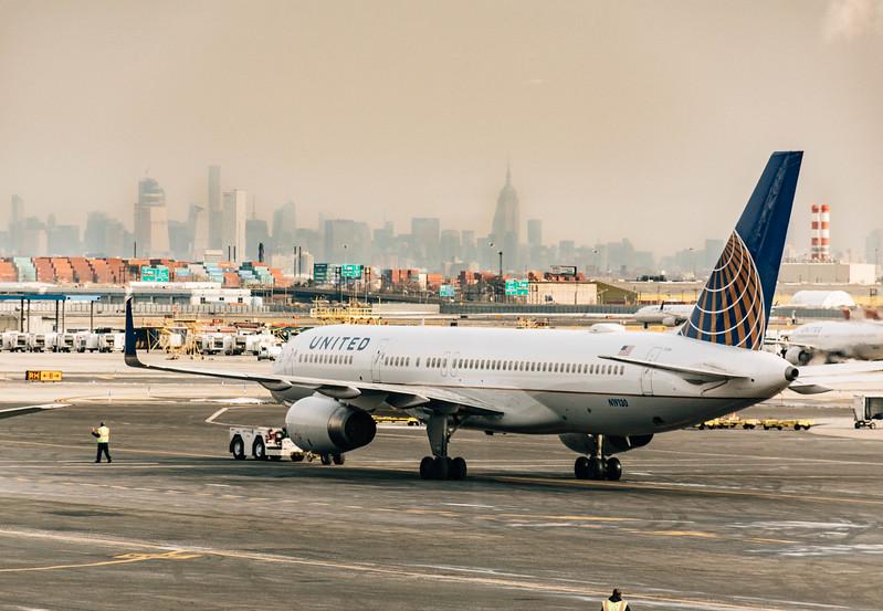 United airplane with skyline_.jpg