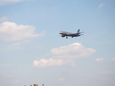 2016-08-06, Planes land at Sheremetyevo