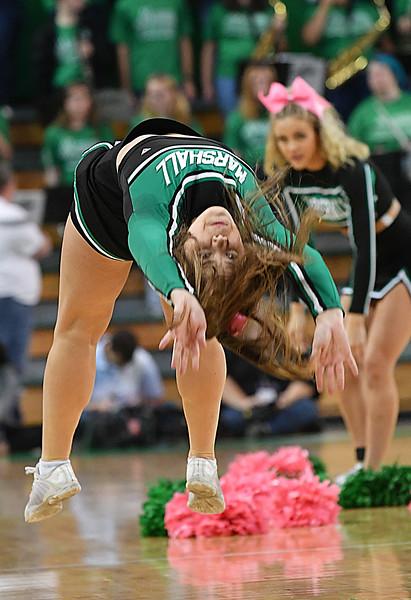 cheerleaders3322.jpg