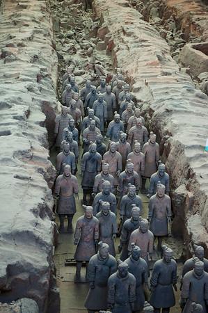 Terracotta Warriors in Xi'an 兵马俑 (1987)