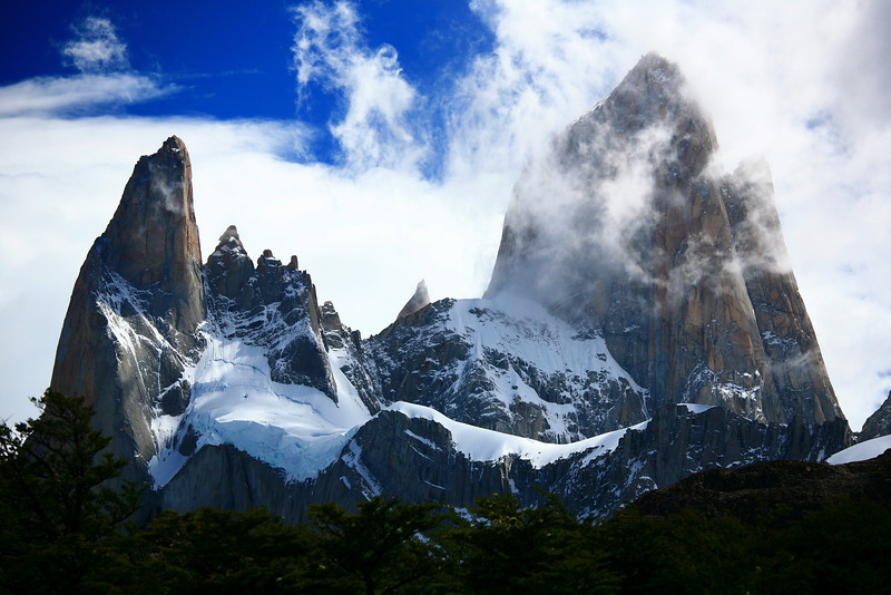 Mt Fitz Roy, Poincenot, and other peaks, Patagonia, Argentina