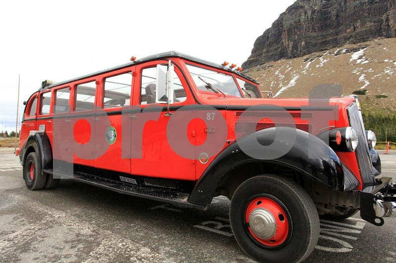 GNP Ford bus 4292.jpg
