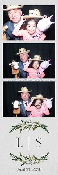 ELP0421 Lauren & Stephen wedding photobooth 22.jpg