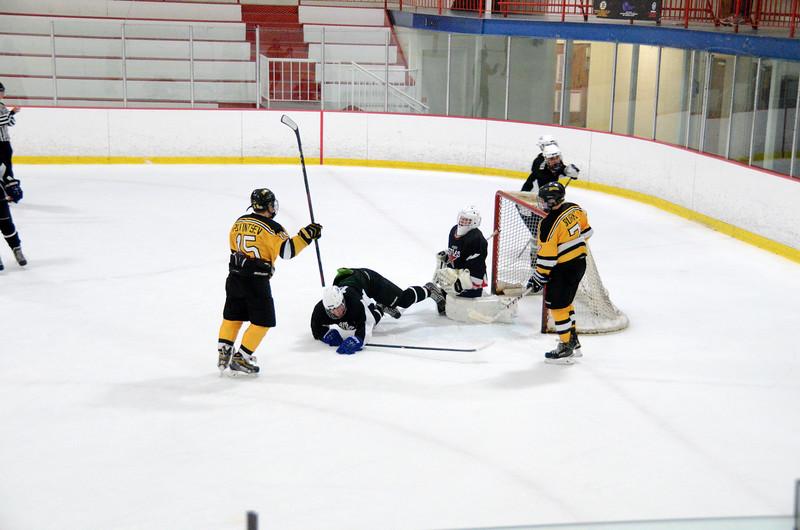 140913 Jr. Bruins vs. 495 Stars-059.JPG