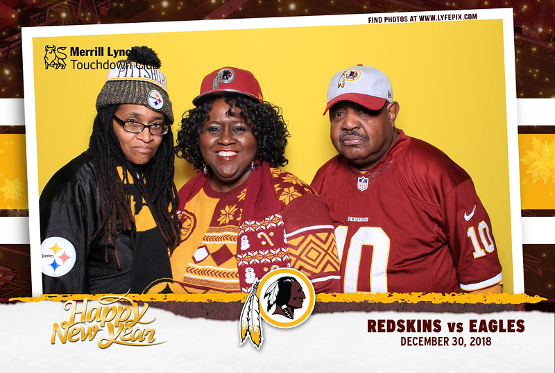 washington-redskins-philadelphia-eagles-touchdown-fedex-photo-booth-20181230-165343.jpg