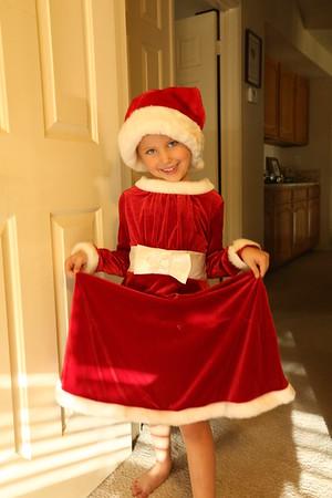 Lincoln & Taylor-Santa Claus Dress up-9-30-17
