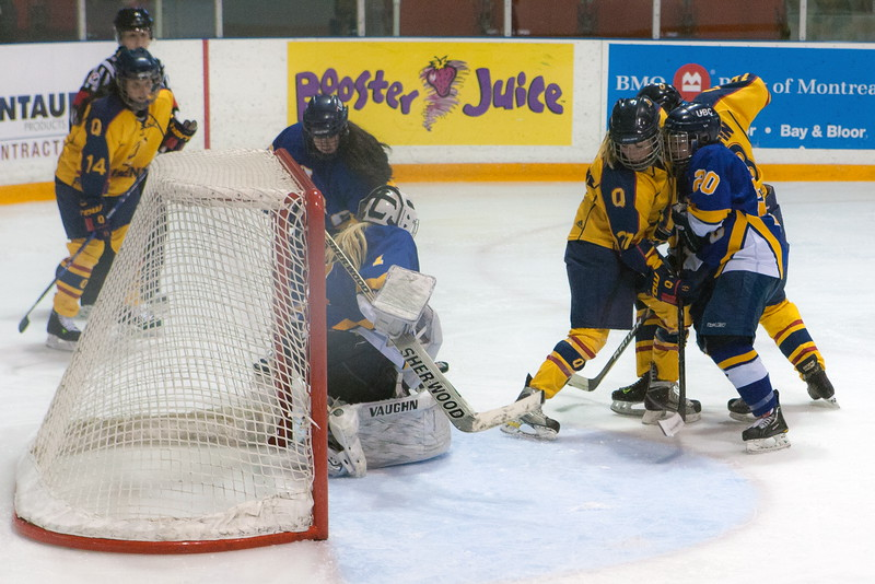 20130310 QWHockeyvsUBC 413.jpg
