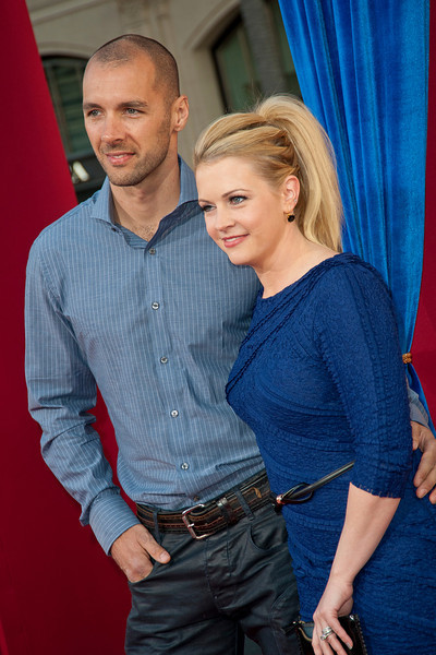 HOLLYWOOD, CA - MARCH 11: Actress Melissa Joan Hart (R) and Mark Wilkerson attend the premiere of Warner Bros. Pictures' 'The Incredible Burt Wonderstone' at TCL Chinese Theatre on Monday, March 11, 2013 in Hollywood, California. (Photo by Tom Sorensen/Moovieboy Pictures)