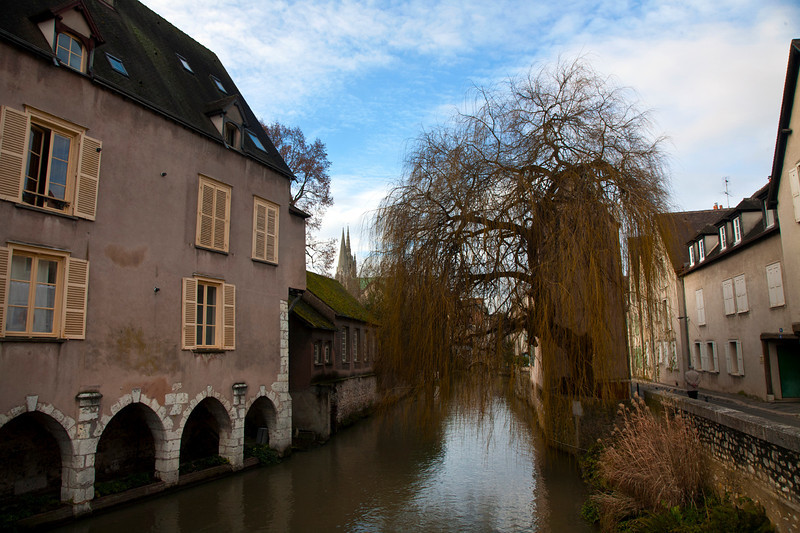 chartres_river.jpg