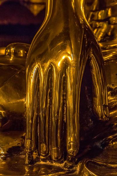 The golden hand of Buddha