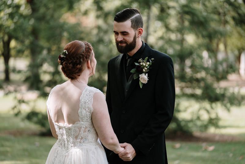 rustic_ohio__fall_barn_wedding-84.jpg
