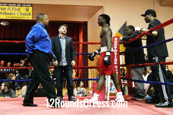 Bout #1:    Isaiah Steen, red trunks, Cleveland -vs- Brian Jackson, Port Huron, MI, 165 Lbs