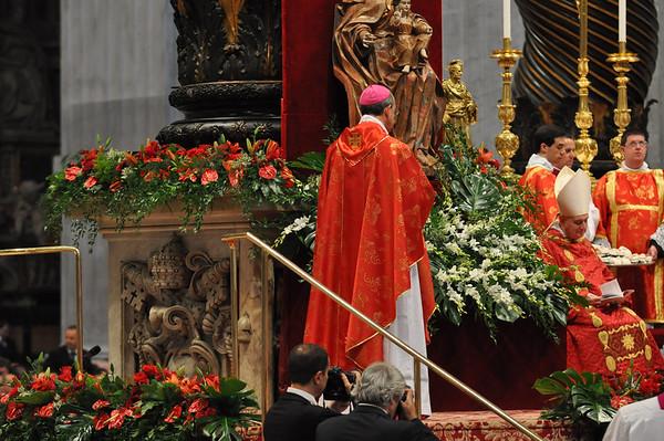 Archbishop Lori receives Pallium
