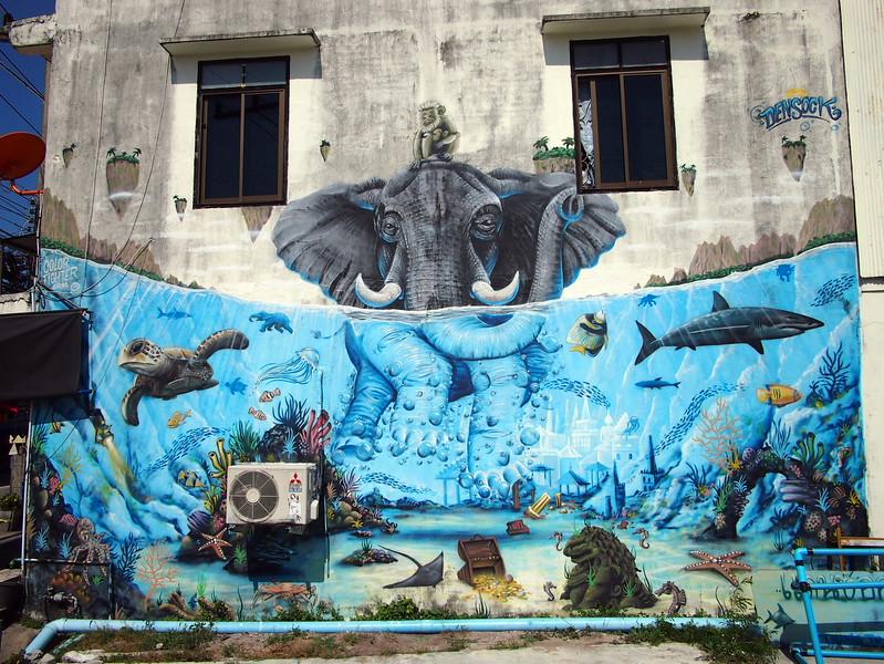 P3082989-swimming-elephant-mural.JPG