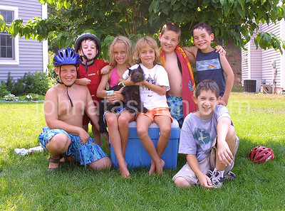 Fenwood Road & Taylor Lane Kids Group Photo - July 23, 2001